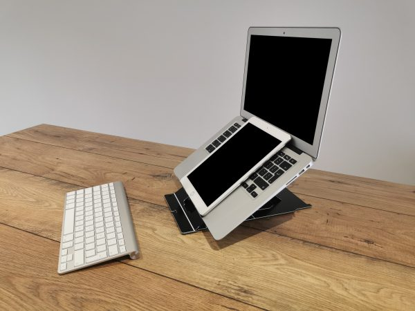 Laptop tablet stand